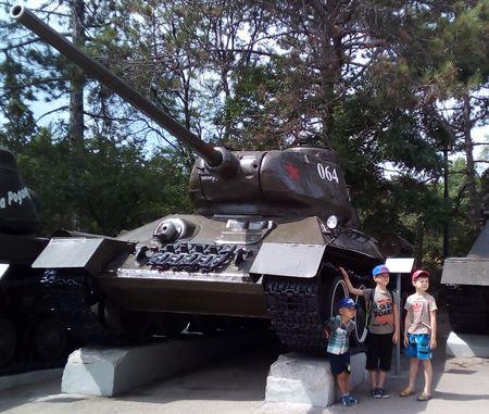 Наибольшее впечатление на ребят произвел танк Т-34