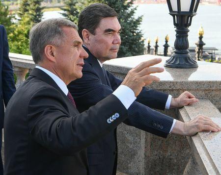 Рустам отметит Курбан-Байрам в Туркменистане
