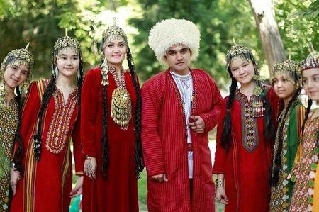Туркменская молодежь