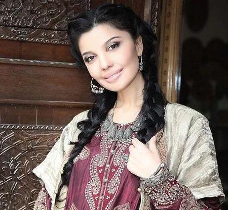 Известная певица Шахзода