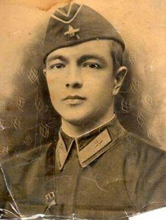 Джелял Джемилев оборонял Москву
