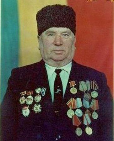 Мамеди Шабутов проявил отвагу в боях за Новороссийск (2)