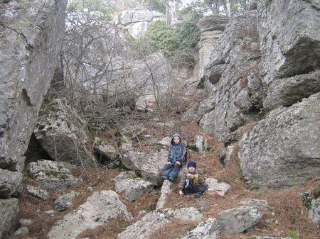 Володя и Асан у подножия скал