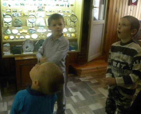 Юные посетители уникального музея искренне благодарят Александра Григорьевича Кулиша за это и желают ему здоровья и успешного осуществления его творческих планов.
