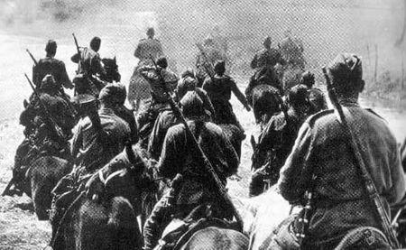 Изет Бекиров нес охрану знамени дивизиона (2)