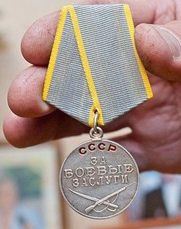 Шихбадин Абселямов доставлял боеприпасы на передовую