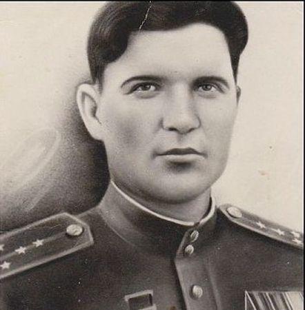 Эмиров Ахтем Эмир-Усеин (1921 — 1945)