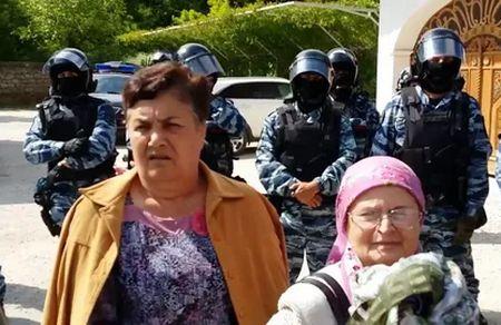 Кого в Крыму подвергают гонениям?