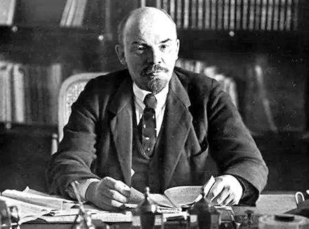Почему в Кремле не любят Ленина (2)