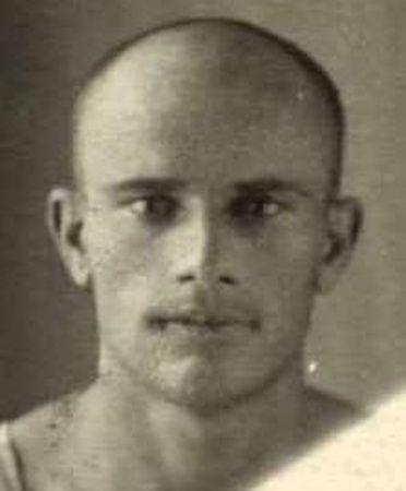 Иззет Амет Мамутович (1912 — ?)