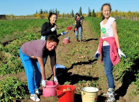 Как в Якутии помогают семьям