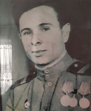 Баснаев Барий Усеинович (1918 — 2007)