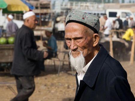 Почему Сталин отдал уйгуров Китаю?