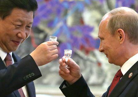 Зачем Китай дружит Россию?