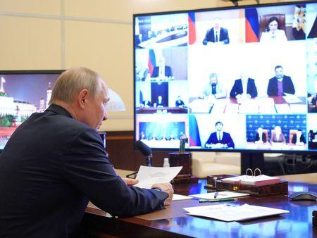 Путин провел заседание Совета помежнациональным отношениям