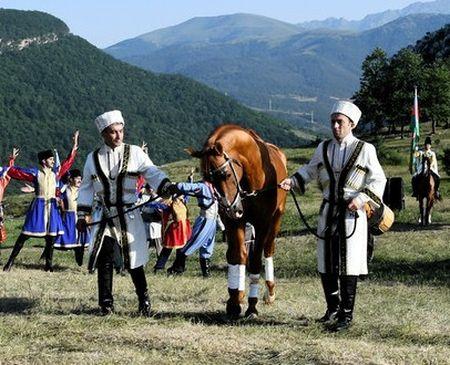 Алиев подарил Эрдогану коня