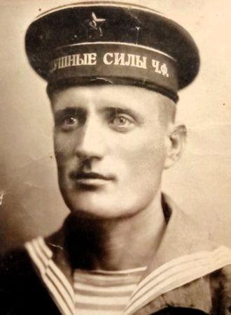 Алядинов Абдураман (1912 — 2001)