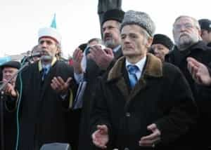 Mustafa Dzhemilev makes a helpless gesture